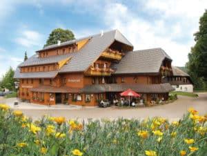 Schwarzwaldhaus fertig 1 300x226