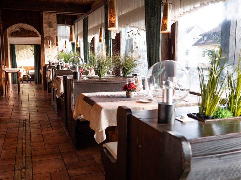 restaurant 6 1 768x576