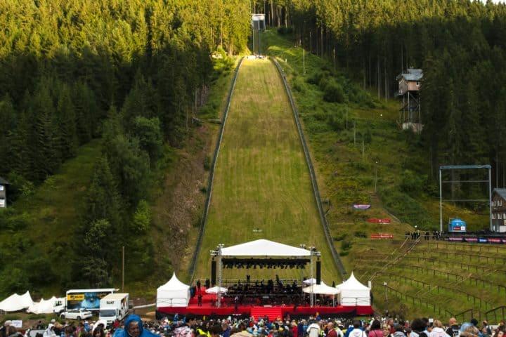 Buehne   Festival an der Hochfirstschanze ©markfoto