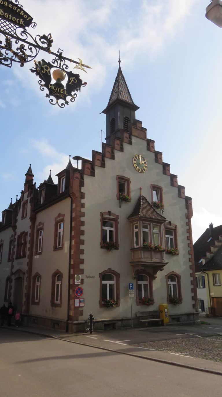 Rathaus 768x1368